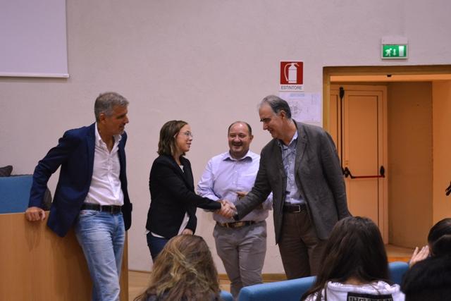 san_miniato_cattaneo_donazione_camici_studenti_figli_guido_lapi_2016_10_11__9